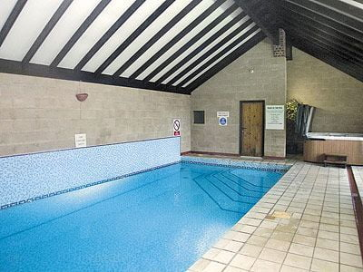 The swimming pool at Robin Hill Farm Cottages