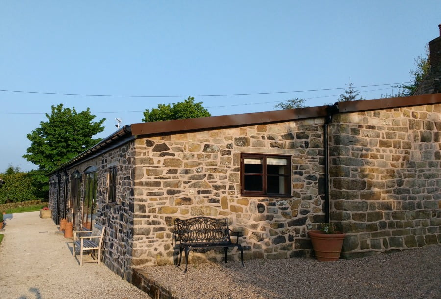 Upper Greenhills Farm - family friendly cottage in the Peak District