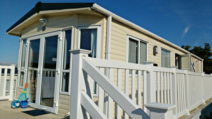 A luxury caravan at Whitecliff Bay
