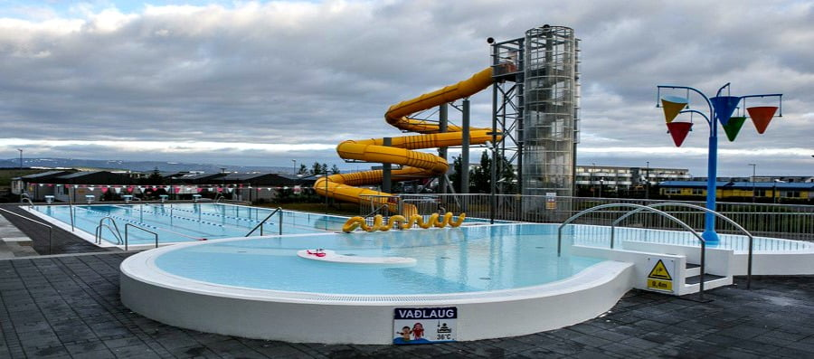 Geothermally heated swimming pools in Iceland