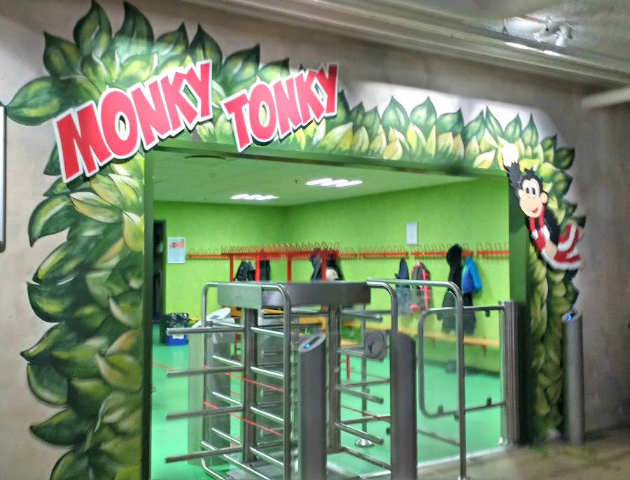 Monky Tonky Land