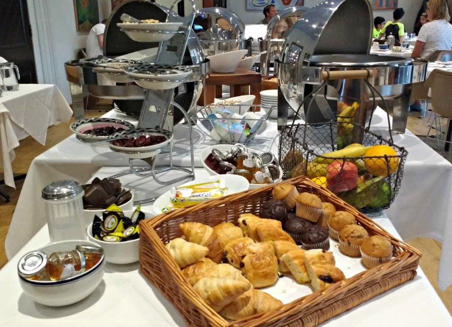 Breakfast at Moonfleet Manor