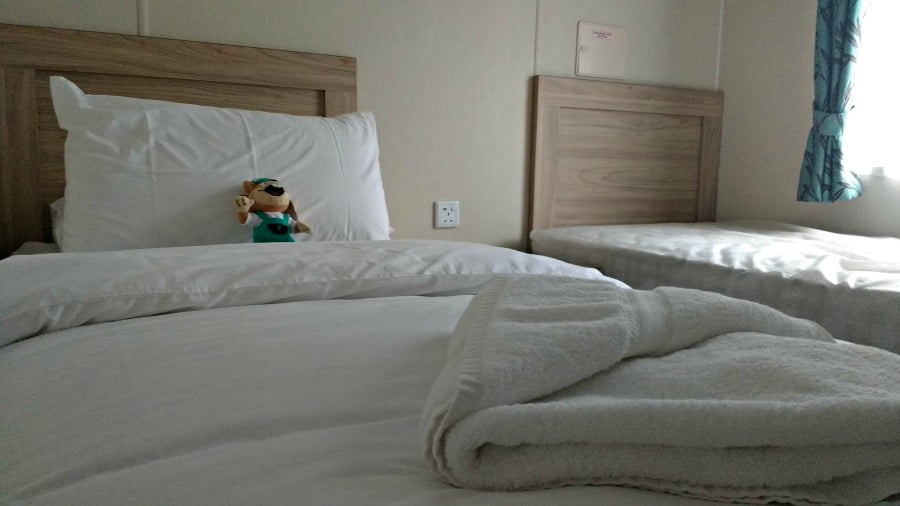 Twin Bedroom in a Deluxe Lodge at Heather View Holiday Park