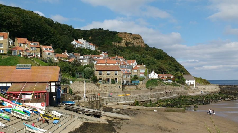Runswick Bay - places to take toddlers on the yorkshire coast