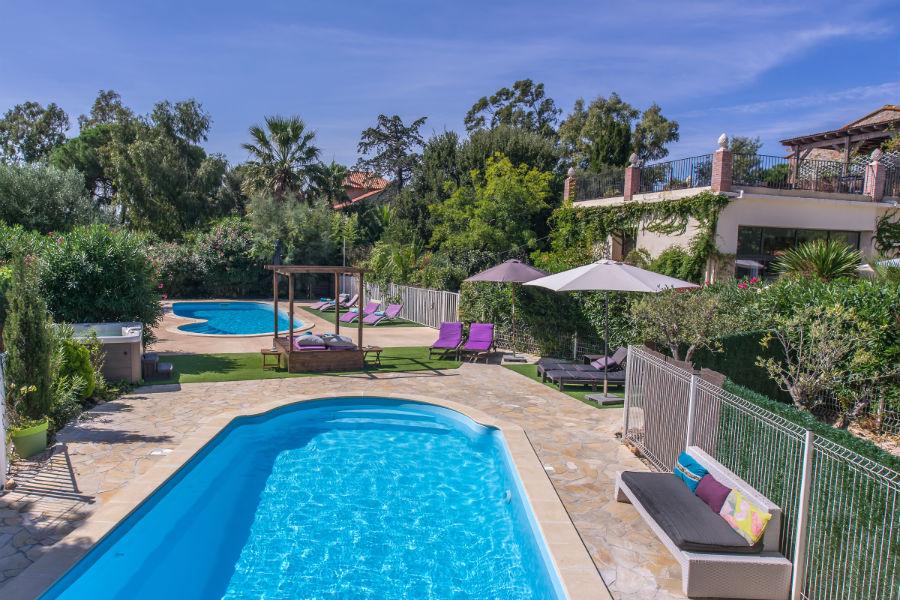 Swimming pool at Imagine Roussillon