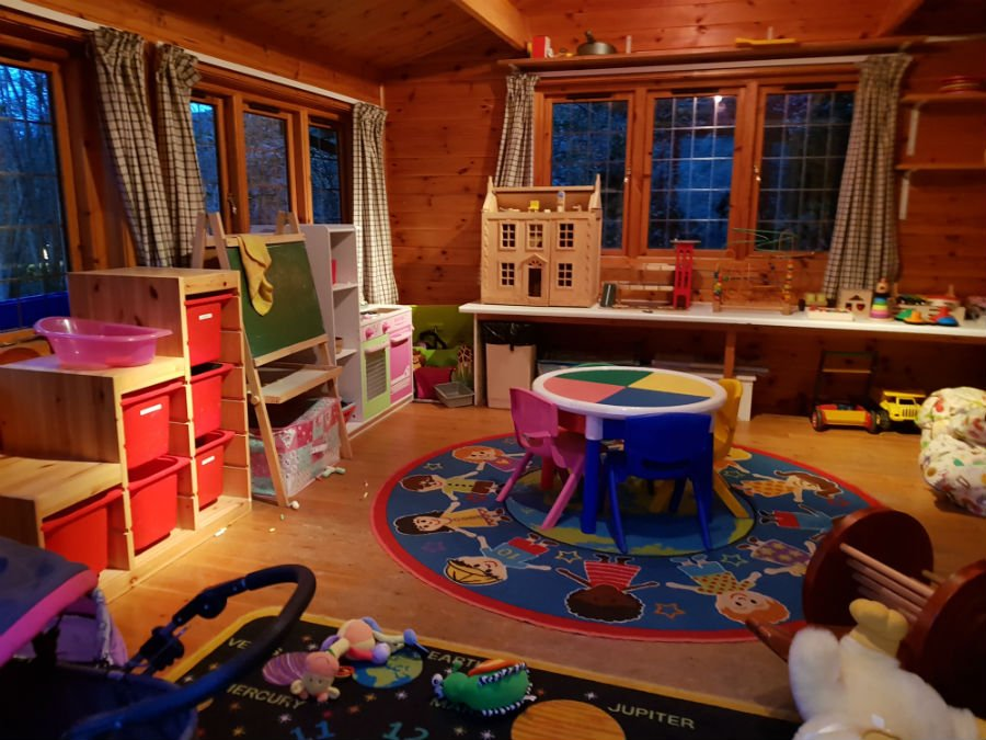 Play cabin at Bruern Cottages