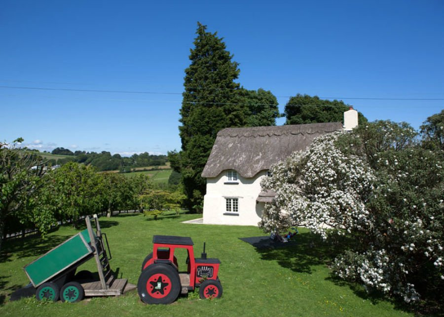 baby friendly place to stay in cornwall