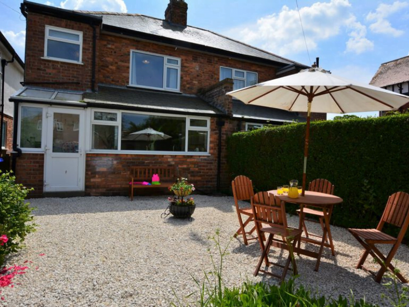 baby and toddler friendly cottage in yorkshire