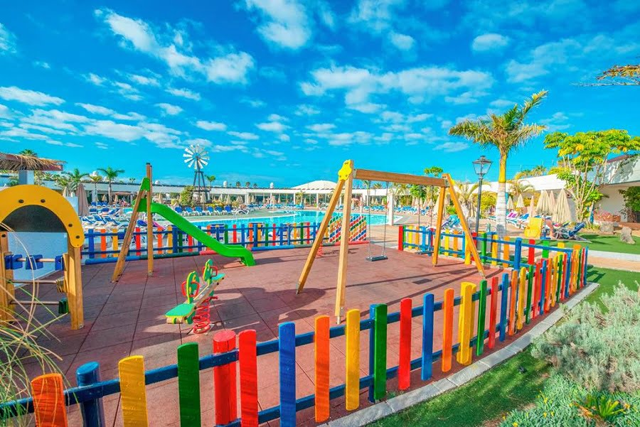 holidays for babies and toddlers in lanzarote
