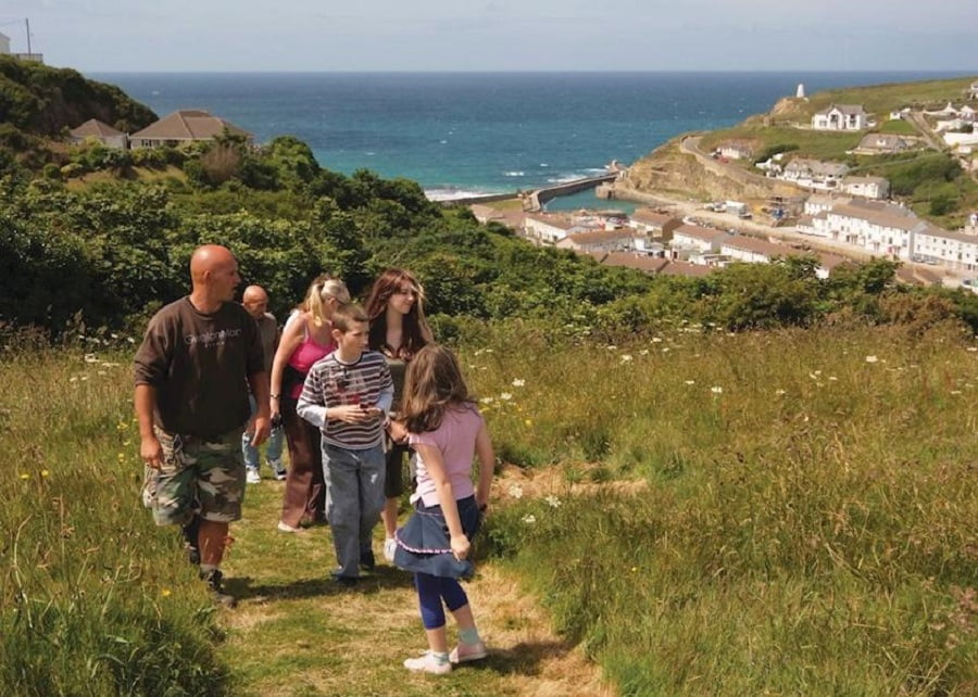 holidays for babies and toddlers in cornwall
