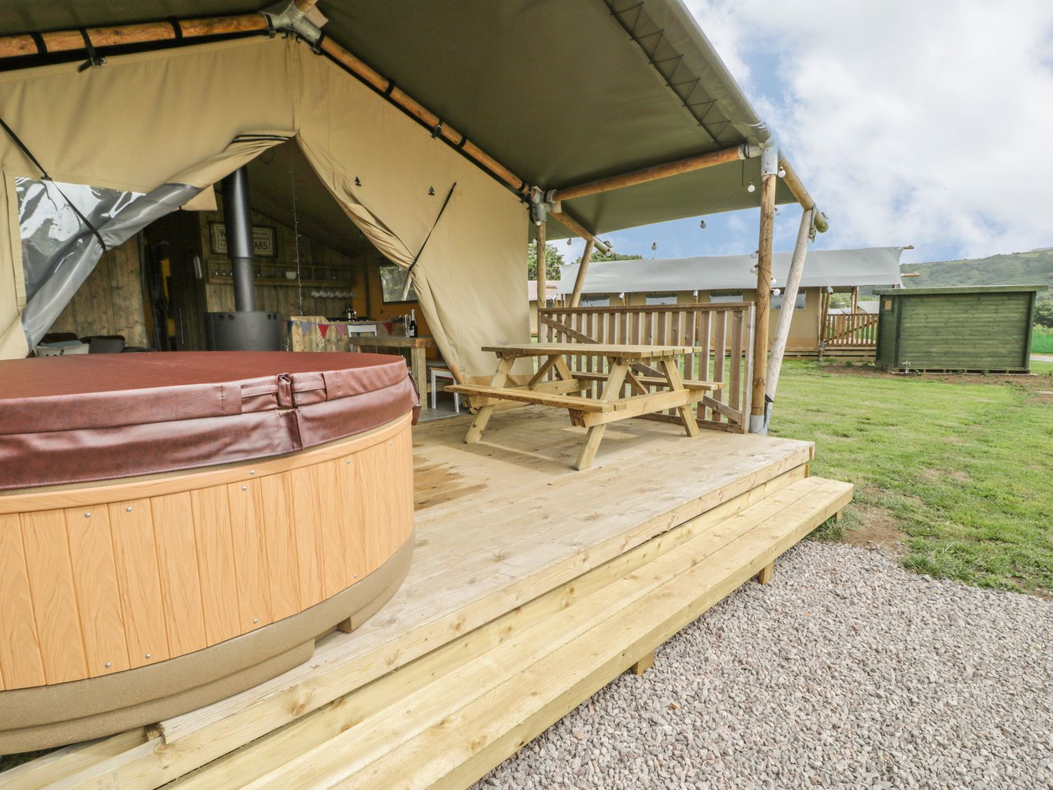 toddler friendly glamping wales