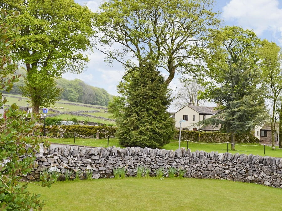 holidays for babies and toddlers in the peak district