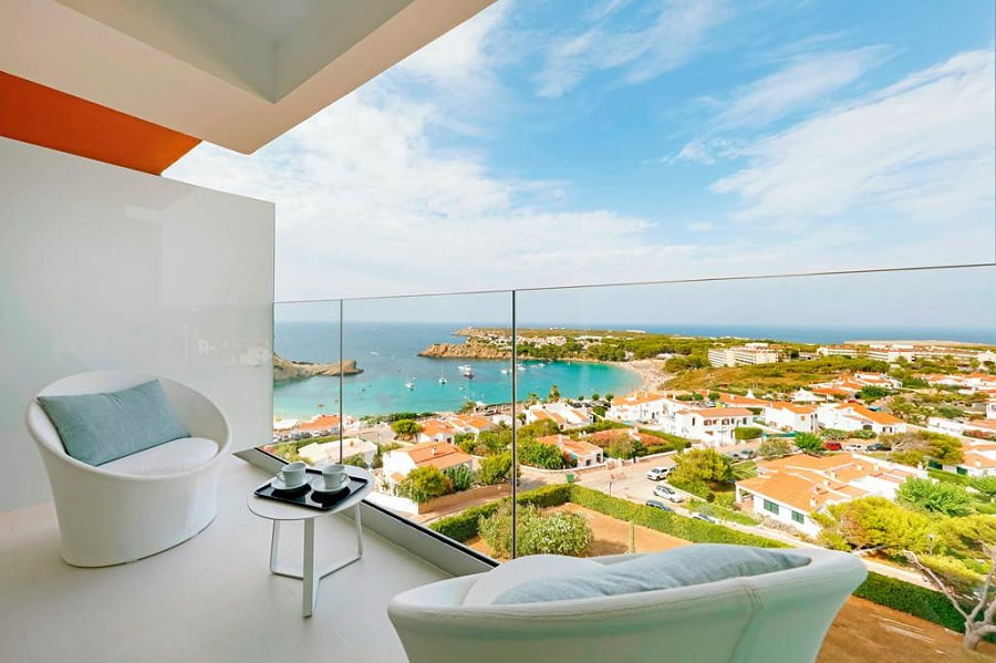 where to stay with a baby and toddler in menorca