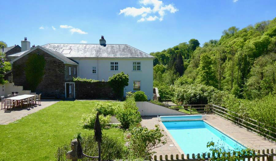 baby and toddler friendly cottages with a swimming pool