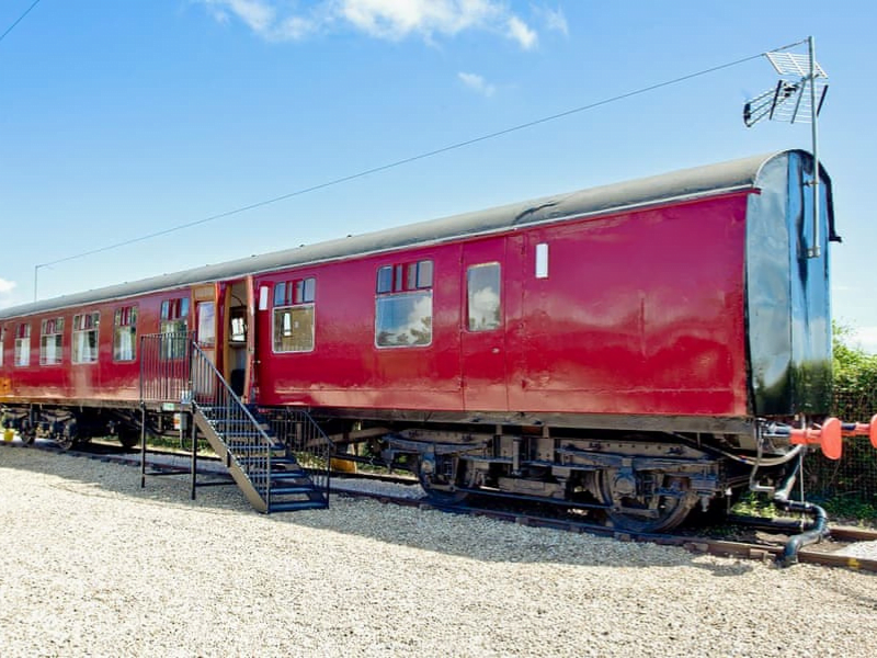 toddler friendly train carriages