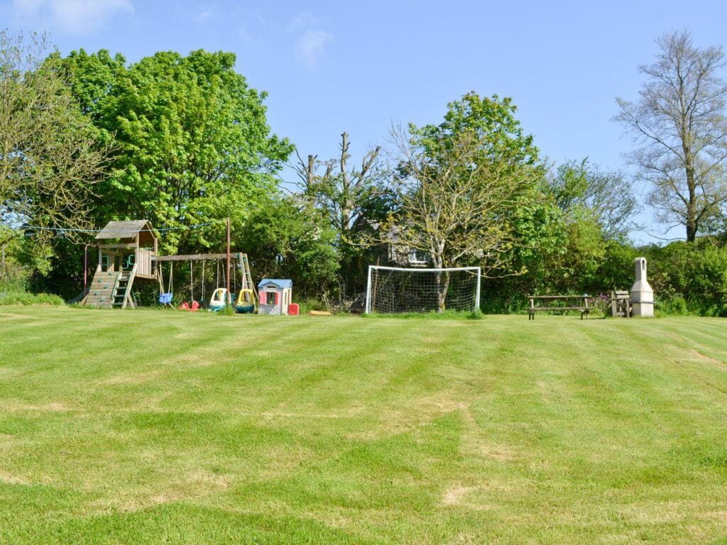toddler friendly place to stay in cornwall