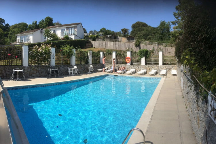 baby and toddler friendly cottage near the helford passage in cornwall