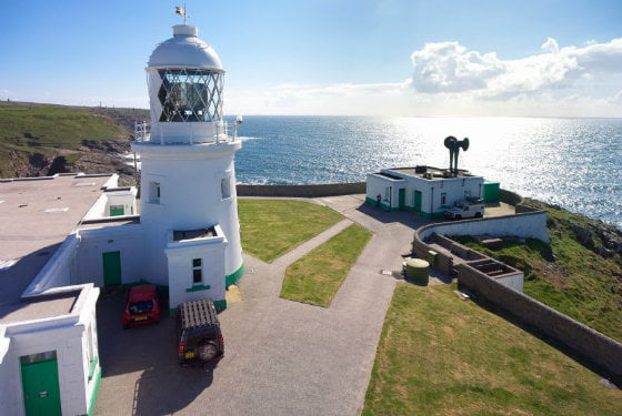 toddler friendly lighthouse cottage cornwall