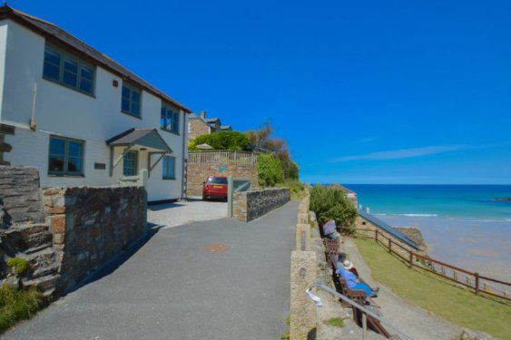 toddler friendly cottage near the beach in cornwall