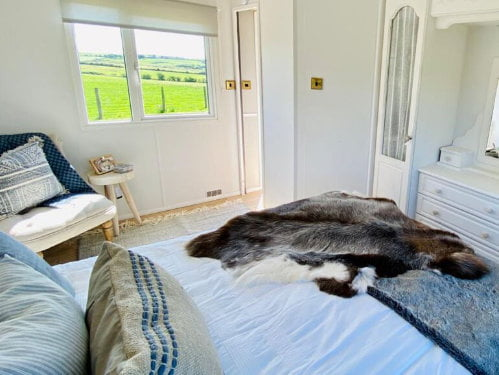 toddler friendly log cabin wales