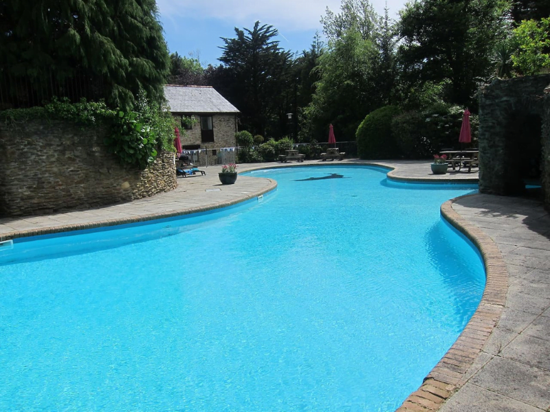 toddler friendly cottage in devon with indoor and outdoor swimming pools