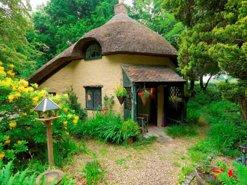 quirky toddler friendly cottage in dorset