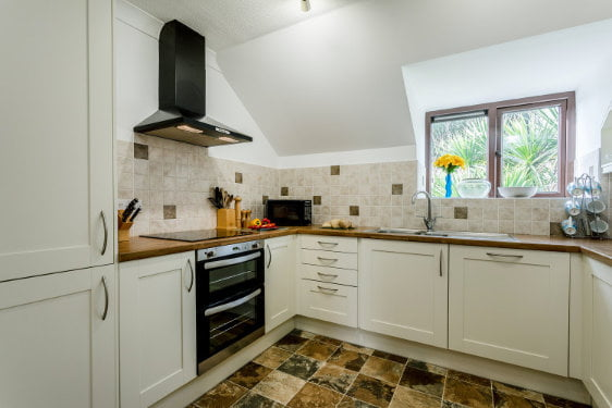 3 bedroom toddler friendly cottage in cornwall