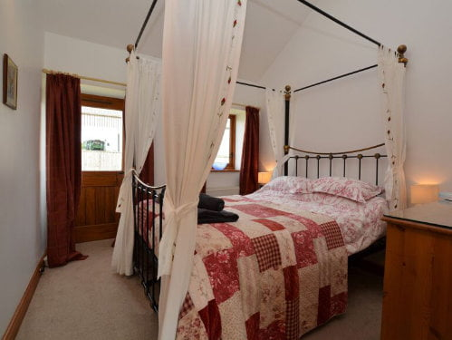 toddler friendly cottage on a farm in dorset
