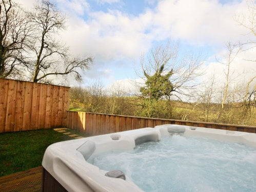 baby and toddler friendly cottage with a hot tub in wales