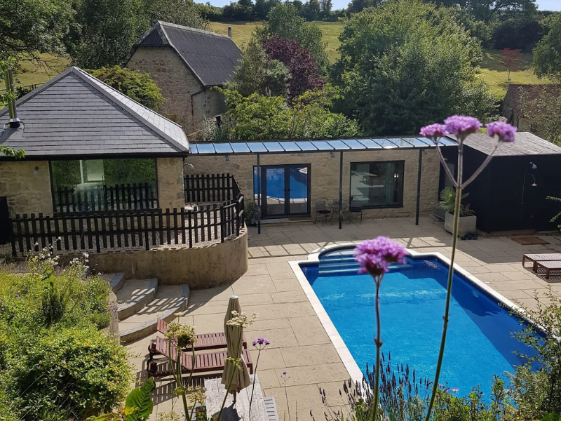 toddler friendly cottage with a swimming pool in the isle of wight