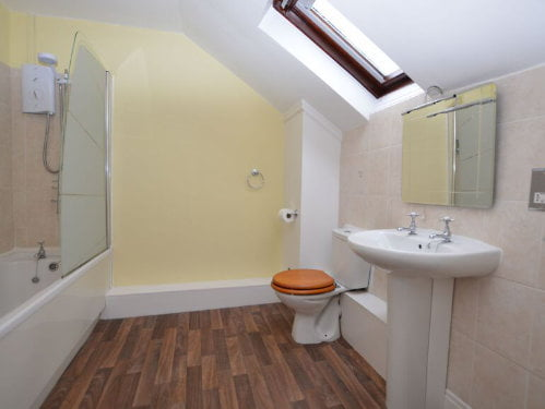 toddler friendly cottage in yorkshire with a swimming pool