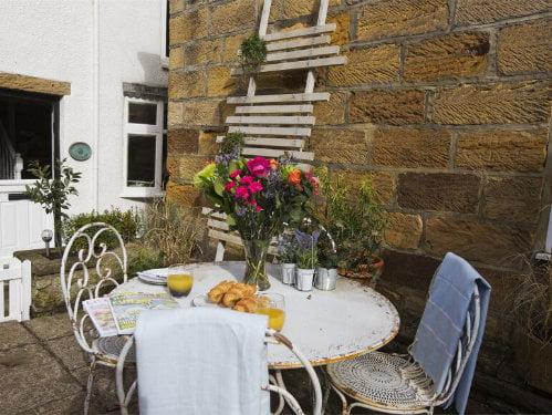 toddler friendly cottage in sandsend, yorkshire