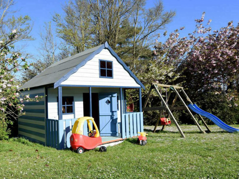baby and toddler friendly cottages with a playground